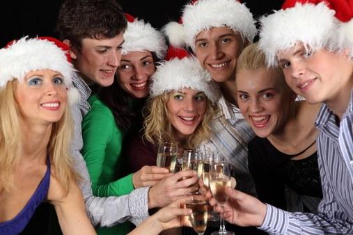 Компания встретить новый год