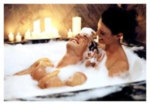 Как устроить романтик дома и сделать девушке приятно