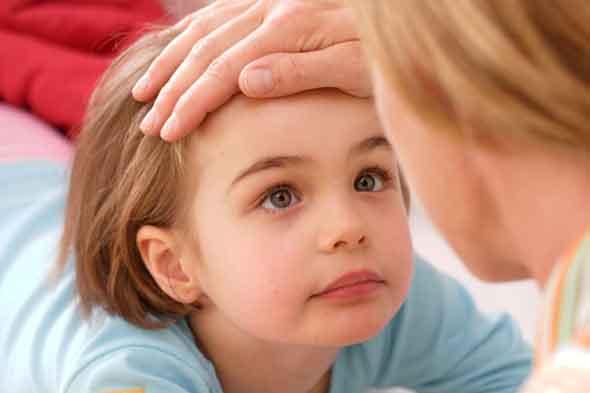 тут ребенок жалуется на головную боль при сморкании