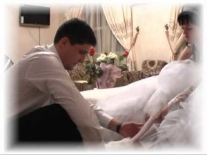 невеста готовится к брачной ночи